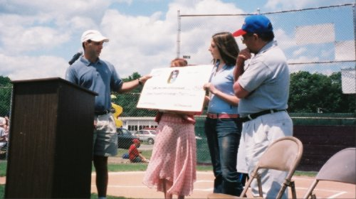 $7,500 check presentation to Wlfd Little League